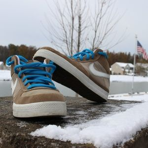 Nike 6.0 Mid-Top Dunks